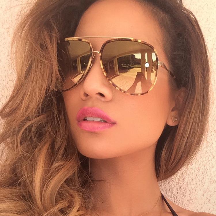 397049c08c Oversized Mirrored Sunglasses
